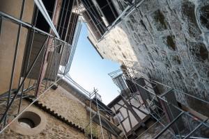 Burg Falkenberg von unten während Sanierung