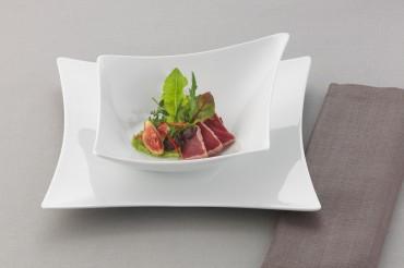 Teller der Serie Compliments by Bauscher mit Filet und Salat. Feigfotodesign