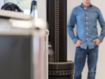 Nahaufnahme Stativ als Fotografie Ausrüstung im Studio von Feig Fotodesign