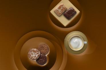 Fotostudio Werbefotografie Oberfranken Imageaufnahme für Leupoldt Lebkuchen mit Lebkuchenvariation und Kaffee. Feigfotodesign