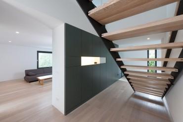 Architekturfotografie Offener Flur mit Treppe von Architekt Markus Weber. Feigefotodesign