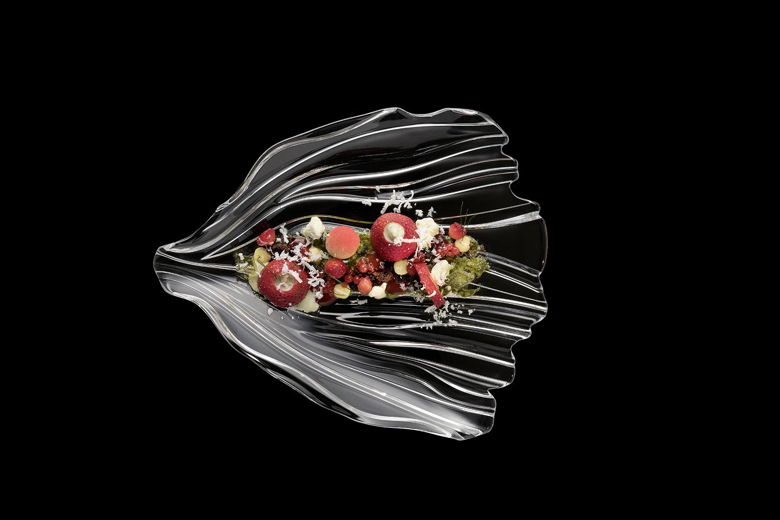 Dessert auf Glasteller der Serie Jin Yu angerichtet von Thomas Kellermann Food-Experte. Feigefotodesign