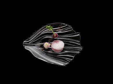 Werbefotografie Dessert auf Glasteller der Serie Jin Yu angerichtet von Thomas Kellermann Food-Experte. Feigefotodesign