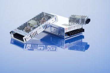 Produktaufnahme Schaltnetzteile von Kuhne mit Spiegelung an Oberfläche. Feigefotodesign